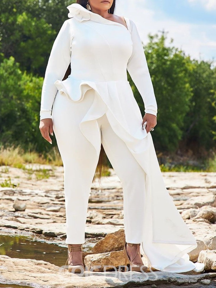 Lady wearing a white Plus-size Jumpsuit